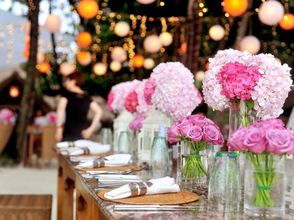 https://pixabay.com/fr/photos/bouquet-célébration-couleur-coloré-1854074/